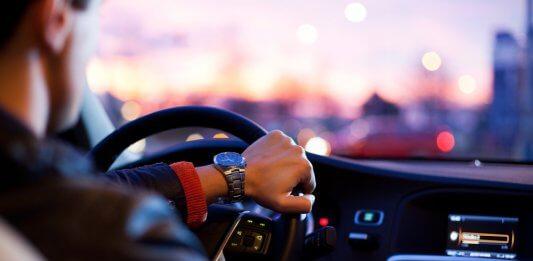 anticiper-feux-tricolore-voiture-connectee-audi